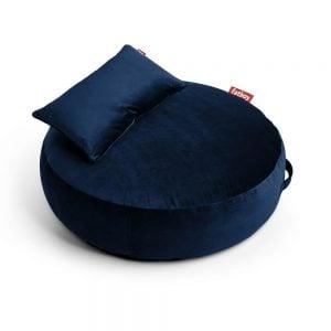 Fatboy puff lounger Pupillow Velvet i farge dark blue mørkeblå ekstra myk fløyel miljøbilde