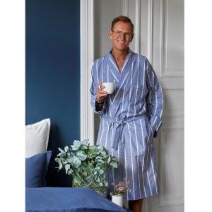 Lord Henry badekåpe av Halvor bakke unisex myk vevd flanell i farge vintage indigo miljøbilde
